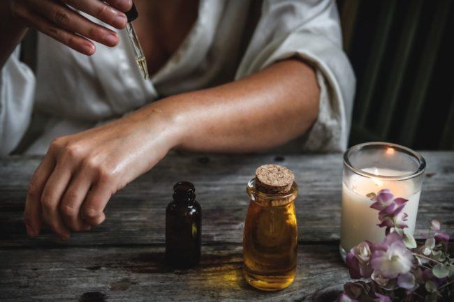 Vad är Oud? Spana in vår guide till parfymvärldens dyraste ingrediens